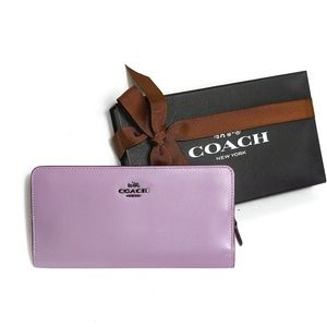 Coach • NEW Lily Leather Skinny Wallet Gift